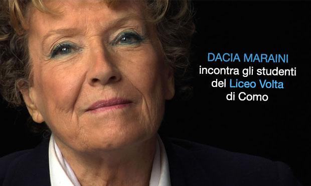 Dacia Maraini atende alunos do Liceo Volta