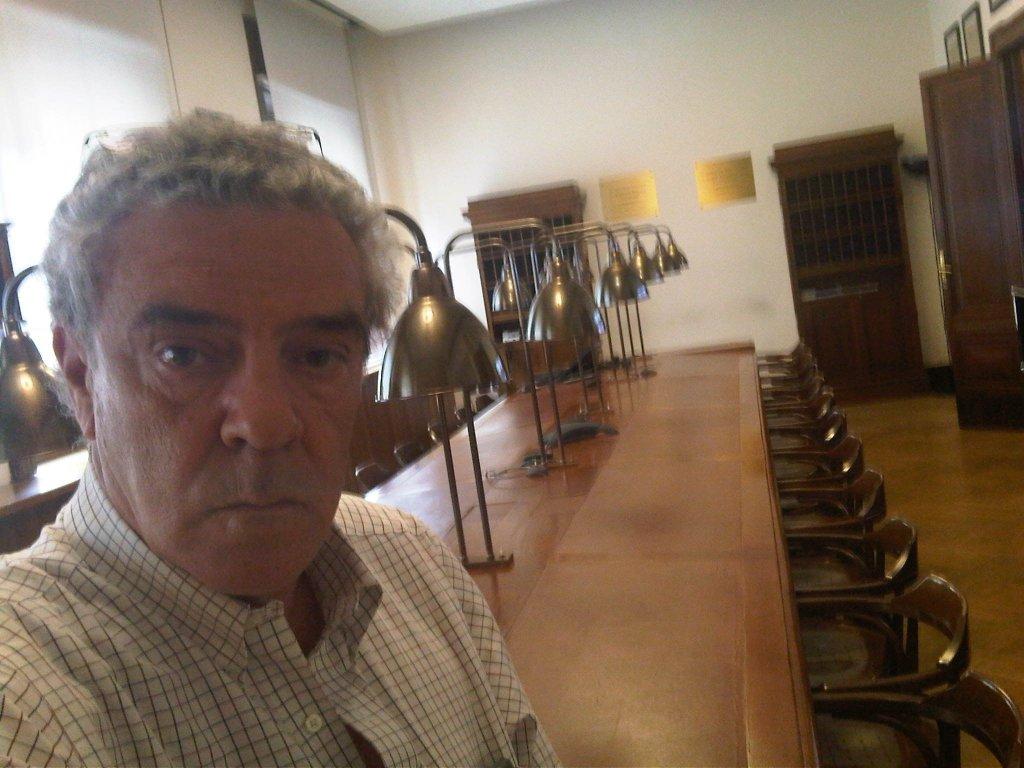 """Nella foto, Francesco Cevasco nella Sala Albertini del """"Corriere della Sera""""."""