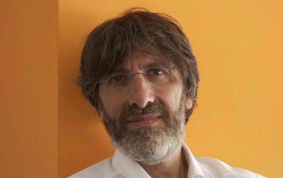 escrevendo aulas por Roberto Cotroneo